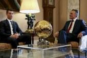 رئيس البرتغال يكرم كريستاينو رونالدو والكرة الذهبية
