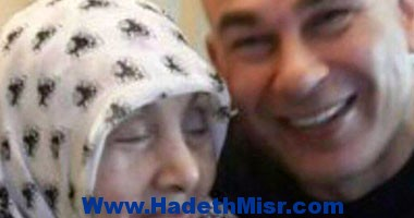 """إبراهيم حسن ينشر صورة له مع والدته على """"فيس بوك"""""""