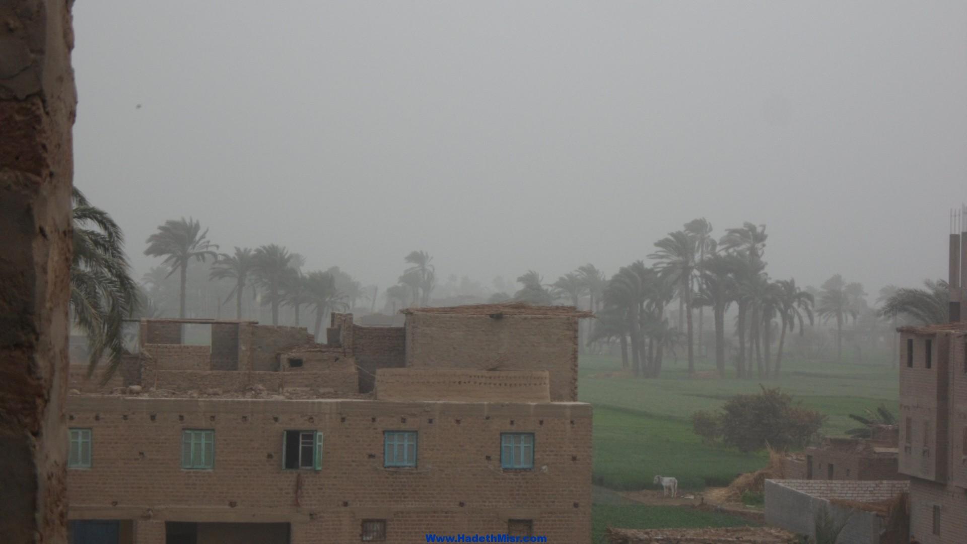 بالصور …عاصفة ترابية تجتاح محافظة سوهاج