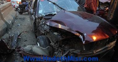 بسبب الشبورة.. مصرع شخص نتيجة لاصطدام سيارته بنقل ثقيل أعلى المحور