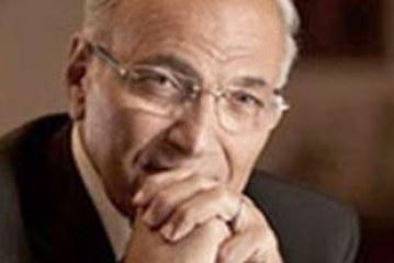 رواد الفيس بوك ..هل سيتولى شفيق الحكم بدون انتخابات