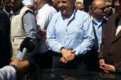 محلب يطلب كوب مياه بقرية عبد الناصر والاهالى يشتكون من نقص الخبز