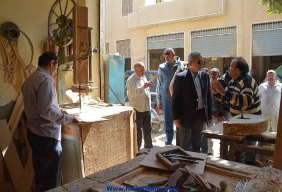 محافظ المنيا يستمع لمطالب الحرفيين ويؤكد على دراسة البدء فى المرحلة الثانية.