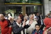 مشاجرات أمام مكاتب البريد بسبب إضراب عمال الهيئة لليوم الثالث