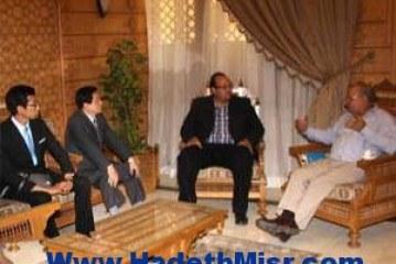 """""""منسق بيت العائلة المصرية"""" للوفد الكوري: الإسلام لا يدعو لنبذ الآخر"""