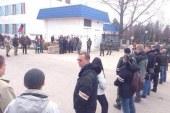 القوات الروسيه تحاصر القواعد الأوكرانيه في القرم .