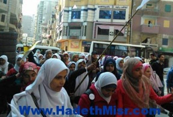 الأهالى  يفرقون مسيرة لطلاب الإخوان بالعاشر من رمضان