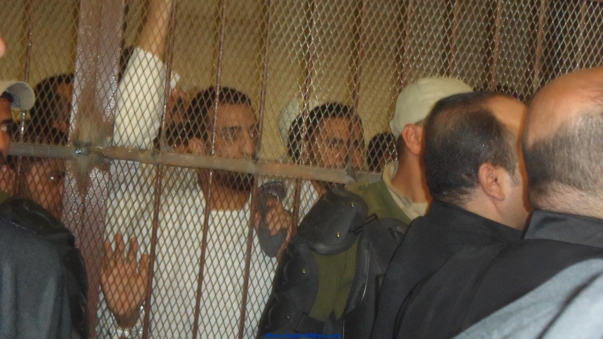حالة من الهرج  في محكمة سوهاج بعد تدهور حالة سجين الصحية