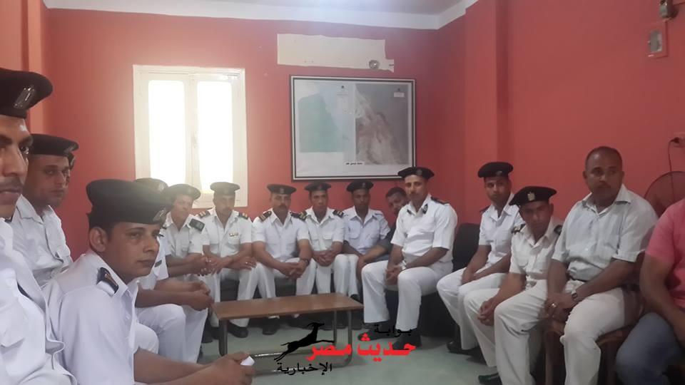 بالصور اجتماع مدير امن البحر الاحمر