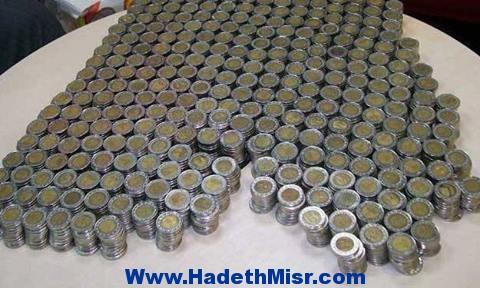 نجح ضباط مباحث الأموال العامة بالقاهرة، في ضبط عاطل، يُجمع العملات المعدنية من السوق، لإعادة بيعها للشركات والمصانع، محققًا أرباح طائلة.