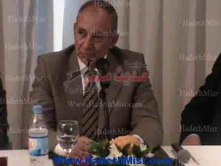 """عبد الله """" سيتم إنشاء هيئة موانى بسفاجا و إنشاء مطار و ميناءين بجنوب المحافظة """""""