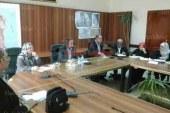 محافظ البحر الأحمر يعقد إجتماعاً لمتابعة أخر تطورات البنية التحتية بالغردقة