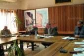 محافظ البحر الأحمر يعقد إجتماعاً  لمتابعة الموقف التنفيذى لحلايب و الشلاتين