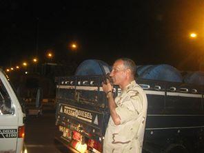 ضابط صف بقوات تأمين بورسعيد يطارد حاوية 40 قدم محملة ببضائع مهربة وقوات التأمين تضبط 3 سيارت ببضائع مهربة .