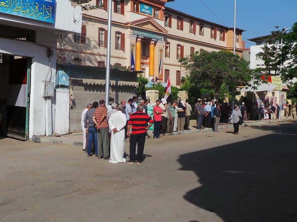 بالصور ..اقبال كثيف على اللجان الانتخابية بدمياط واجواء مطمئنة