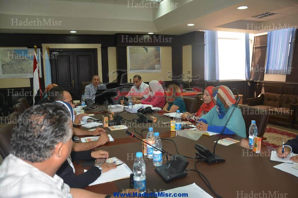 محافظ البحر الأحمر لابد من تغير مفهوم الوظيفة الحكومية و نشر ثقافة العمل الخاص