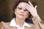 سوزان مبارك أثناء الإدلاء بصوتها فى الانتخابات