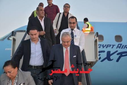 وزير السياحة يصل لمطار الغردقة لحضور نهائى كأس العالم لركوب الأمواج