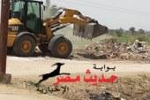 بالصور إنارة 40 كشاف ورفع 100 متر مكعب اتربة بقرية الزيره بأبوتيج
