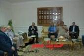 اللواء ابراهيم حماد يعقد اجتماعاً فجرا للقيادات التنفيذية والامنية باسيوط لبحث سبل ضبط تعريفات الركوب الخاصة بوسائل المواصلات