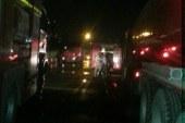 شهود عيان: انفجار خزان بخار سبب حريق مصنع العاشر.. والصحة:وفاة شخصين .