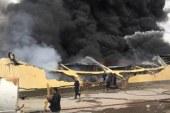 20 سيارة إطفاء للسيطرة على حريق مصنع الهلال والنجمة الذهبية فى سوهاج .
