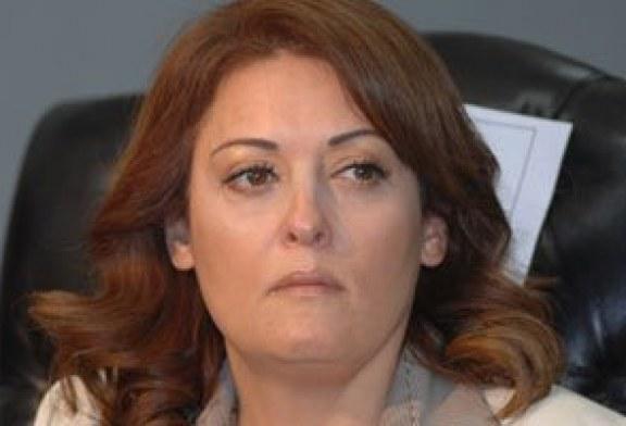 اكد دعوى نهال عنبر ضد خطيبها السابق لتهديدها عبر الهاتف.. اليوم