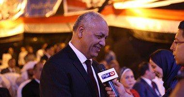 مصطفى بكرى يغادر احتفالية ذكرى تحرير سيناء بميدان عابدين .
