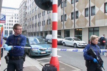 الأمن البلجيكى يخلى مقر مركز الصحافة الدولية فى بروكسل .