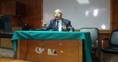 نائب رئيس حزب حماة الوطن يلقى محاضرة عن تحديات الأمن القومى بجامعة أسيوط .