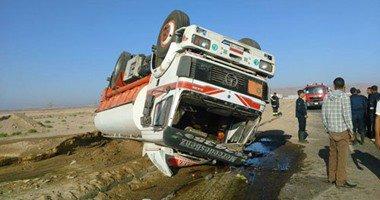 توقف حركة المرور على الطريق الزراعي ببنها بسبب انقلاب سيارة نقل