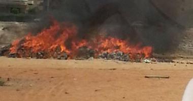 لجنة من جهاز البيئة بالشرقية تعاين موقع حريق مخلفات المصانع بالعاشر
