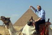 يديعوت: زيارة الحاخام اليهودى المتخفى للقاهرة تتسبب فى ورطة لحزب النور  ..