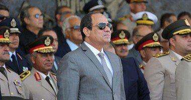 الرئيس عبد الفتاح السيسى، يتفقد غرفة القيادة لحاملة المروحيات جمال عبد الناصر من طراز ميسترال،