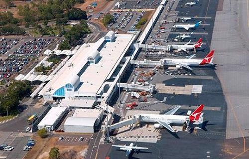 """""""مشاجرة عنيفة في السماء"""".. 5 ركاب يغيرون مسار طائرة أقلعت من أستراليا…"""