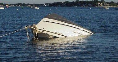 إنقاذ 3 صيادين من الغرق بعد تصادم قاربهم بعبارة نيلية فى أسوان …