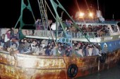 القوات البحرية تدفع بلنش بحرى لإنقاذ مركب صيد من الغرق شمال الغردقة