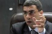 ياسر رزق: السيسي يتمنى تسليم السلطة بمصر مثل هولاند وماكرون فى فرنسا