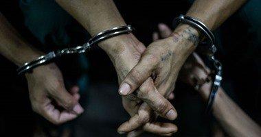القبض على فنانة مغمورة لإدارتها صفحة علي موقع إباحي