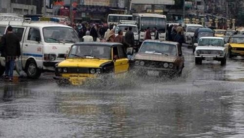 سقوط أمطار على الاسكندارية وشلل حركة المرور