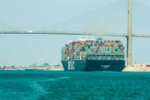 116 سفينة تعبر قناة السويس بحمولة 7.1مليون طن فى يومين