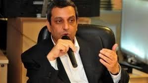 يحيى قلاش يشارك في تشييع جثمان السيد ياسين
