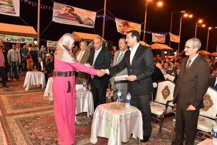 محافظ أسيوط يشهد حفل زفاف جماعي لـ 19 من العرائس الايتام