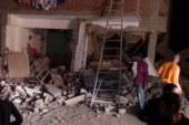 نقل 6 مصابين للمستشفى الجامعى والبحث عن 4 مفقودين بحادث انهيار عقار أسوان