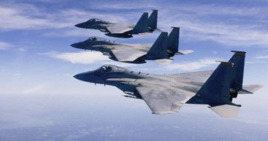 المرصد السورى: طائرة حربية توجه ضربة على خان شيخون عقب القصف الأمريكى