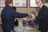 """الانتخابات الفرنسية.. جولة الإعادة بين """"ماكرون"""" و""""لوبان"""" 7 مايو"""