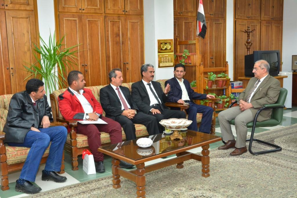 جامعتي أسيوط والسعيد اليمنية يوقعان مذكرة تفاهم في مجالات البحث العلمي والتدريس وتنمية البرامج