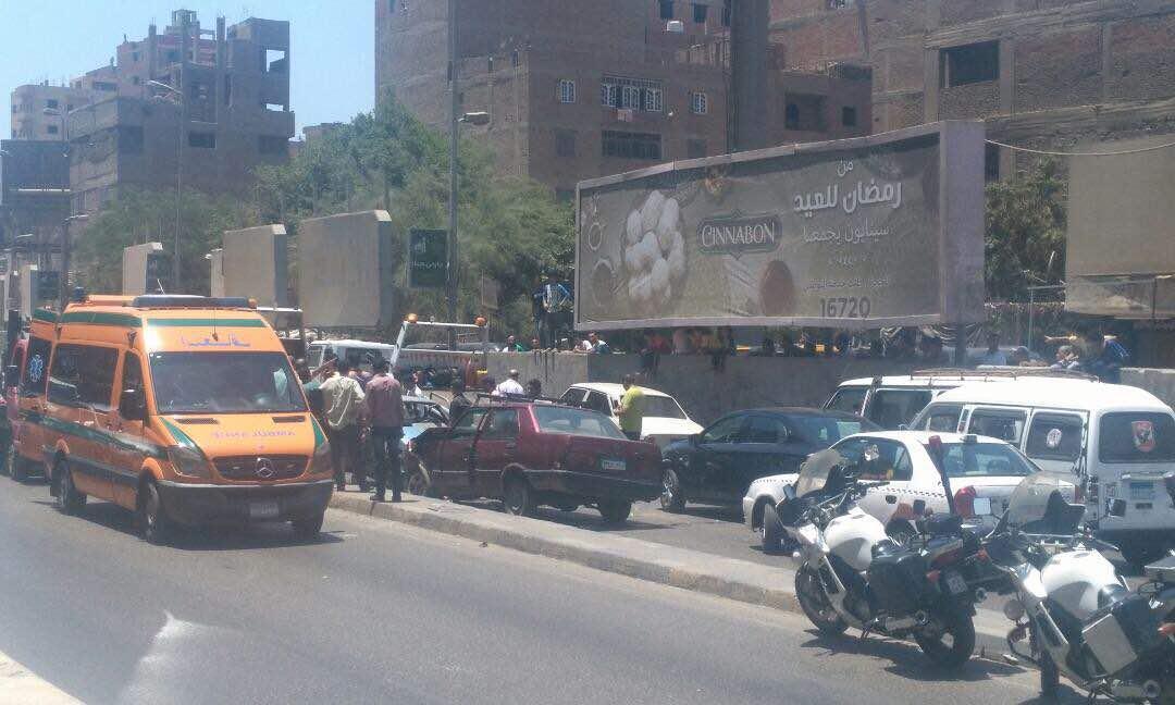توقف حركة المرور على محور 26 يوليو بسبب تصادم 3 سيارات