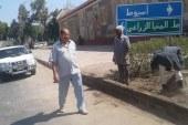 رئيس حي غرب أسيوط يقوم بجولة لمتابعة أعمال الصرف الصحي