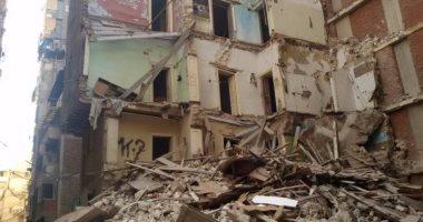 انهيار عقار بالإسكندرية والحماية المدنية تحاول استخراج شخصين من تحت الأنقاض